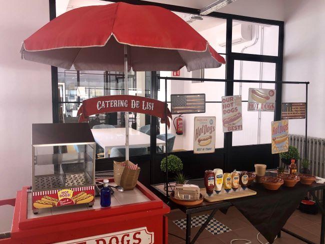 carrito de hot dog decorado para evento