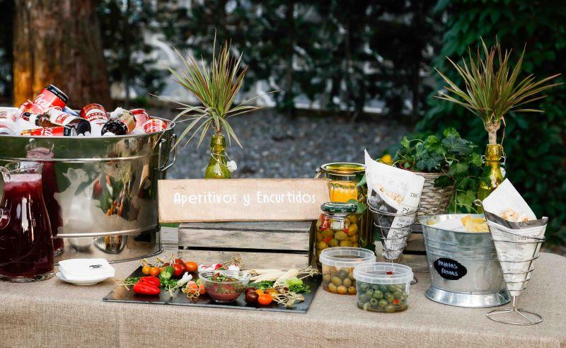 Servicios extras:puesto de aperitivos y encurtidos